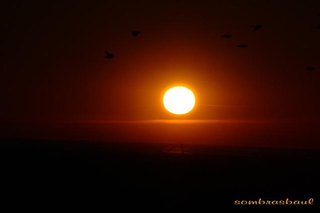 epilogo_puesta_de_sol_sin_contaminación_invisibilidad_capa_inferior_de_la_atmósfera_transparente